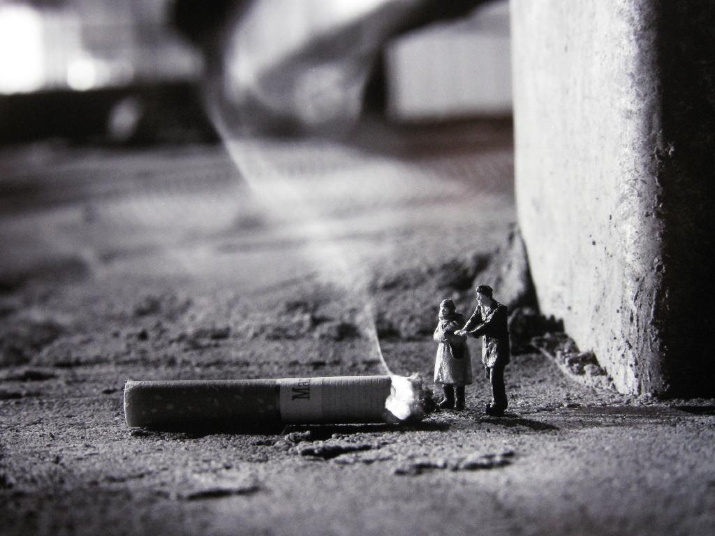 little_people_street_art_1